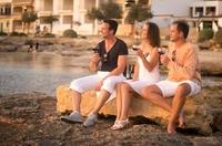 Singles on tour: die besten Bars im Urlaub