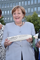 """Bundeskanzlerin Angela Merkel gesteht: """"Ahle Wurscht mag ich lieber als Handkäs"""""""