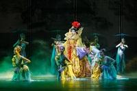 Chinesisches Tanzensemble auf Europatournee in Berlin