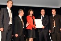 Langmatz erhält Ernst-Pelz-Preis für neuen Werkstoff ecopolytec