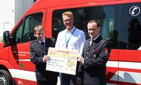 Arvato Financial Solutions spendet 5000 Euro an Freiwillige Feuerwehr Verl