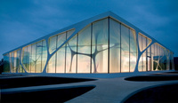 Traditionsunternehmen feiert 10 Jahre Leonardo glass cube