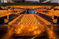 Innovative Infrarot-Strahler optimieren die Herstellung von Fahrzeug-Innenausstattung beim Vakuumkaschieren