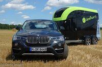 Pferdeanhänger-Zugfahrzeug BMW X4 auf Mit-Pferden-reisen.de