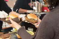 Moderne und praktische Burgerverpackungen für Food Truck, Imbiss und Lieferdienst