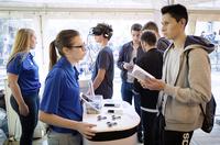 Auszubildende ziehen die virtuellen Blicke auf sich