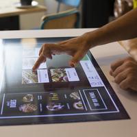 TCPOS präsentiert interaktiven Restauranttisch
