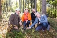 Baumpflanzaktion der Sparda-Bank München: 10.000 Tannen für Eurasburg