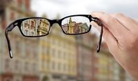 Augenarzt (Neuss): Makuladegeneration - und jetzt?