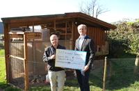 SOS-Kinderdorf Sauerland freut sich über Spendenscheck vom Romantik Hotel Freund & SPA-Resort