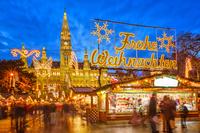 Tragetaschen, Geschenktüten, Glühweinbecher und mehr für das Weihnachtsgeschäft