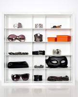 showimage Weihnachtsgeschenk für Minimalistinnen: Setzkasten für slow fashion-Accessoires