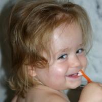 Schönheit ist relativ - Zahngesundheit und ein strahlendes Lächeln