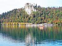 Schöner Herbsttag: Vom Bleder See in die Karawanken