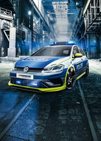 Bühne frei: Golf R in Polizei-Edition von TUNE IT! SAFE!