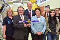Förderung des Raumfahrtunternehmens OHB SE an das orbitall Raumfahrtzentrum im FEZ-Berlin übergeben