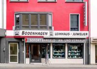 showimage Leihhaus Bodenhagen: Besonderen Schmuck zu Weihnachten verschenken