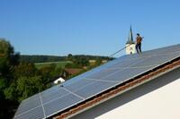 Dachsicherheit in der Photovoltaik Reinigung - ein heißes Eisen