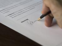 Verträge vom Fachanwalt für Vertragsrecht prüfen lassen