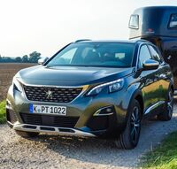 Pferdeanhänger-Zugfahrzeugtest Peugeot 3008 GT auf Mit-Pferden-reisen.de