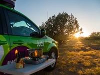 Bunt, trendy, günstig:   mit Van plus Dachzelt durch Westkanada