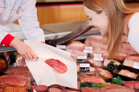 Praktische Serviceverpackungen und innovative Einweglösungen im professionellen Fleischereibedarf