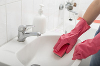 Warum Sie eine Toilette desinfizieren sollten