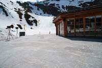 Skihütte am Kapruner Gletscher: Naturstein sicher vor Schneemassen geschützt - dank Gutjahr