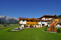 Romantische Frühlingsgefühle in der Tiroler Bergwelt