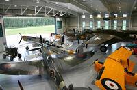 In Virginia Beach starten im Mai auf historischem Boden alte Militärflugzeuge in den Himmel