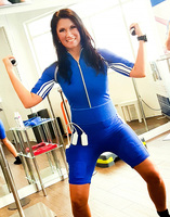Antonia aus Tirol-Fitness Training mit Easy Motion Skin !