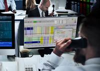 BayernLB wickelt Swaphandel auf Bloomberg elektronisch mit Software von valantic ab
