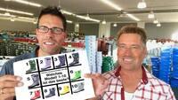Virale Interaktion: schuhplus produziert große Gummistiefel nach Kundenwunsch