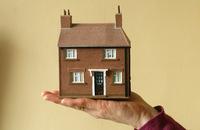 Neue Berufszulassungspflicht für Immobilienmakler und Wohnimmobilienverwalter fordert neue Berufshaftpflichtversicherungen
