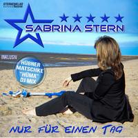 Sängerin SABRINA STERN ist ganz schön auf dem Holzweg!
