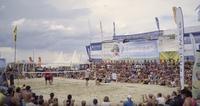 Pritschen, Baggern, Schmettern auf der weltgrößten Beachvolleyball-Meile!