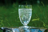 Besonders geschützt in den Tiefen der Erde - natürliches Mineralwasser