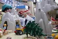 Forscher bei der Arbeit: Beim Toy Tester Event nehmen kleine Experten Spielzeug unter die Lupe