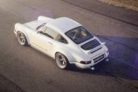 Singer präsentiert neue 964 Porsche-Modelle mit Kussmaul-Glanz
