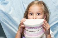 Zahnarzt in Karlsruhe setzt sich für den Zahnerhalt ein