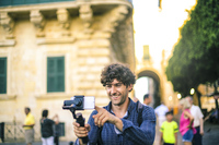 Selfies vor Kunstwerken: Ist das erlaubt? - Verbraucherinformation des D.A.S. Leistungsservice