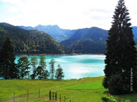 Spätsommer in Sauris: Berge, Schinken, grüner See