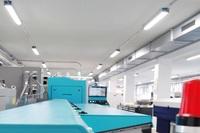 Neues LED Licht auf allen Ebenen in elektro-hydraulischer Fertigung