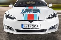 Fahrstunden im Tesla: Die Zukunft ist elektrisch