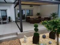 Auch im Herbst: Balkon- oder Terrassenbeläge sicher ausführen