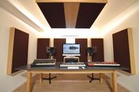 Schweizer Präzision für elektronische Musik: Julian Wassermann arbeitet mit PSI Audio A21-M Studiomonitoren