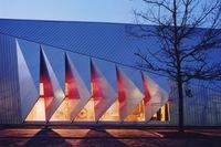 Praxis und Lehre für Industrie 4.0: TU Darmstadt tritt SEF Smart Electronic Factory e.V. bei