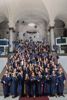 154 Absolventen feiern ihren Masterabschluss