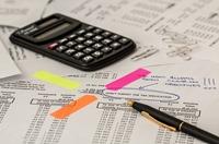 Kfz-Versicherung / Vergleichsportale: Mit breitem Marktüberblick Geld sparen
