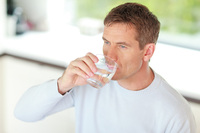 Erkältungszeit - Warum viel Trinken jetzt hilft